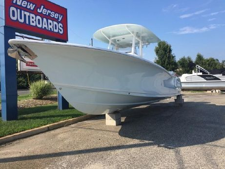 2016 Sea Hunt Gamefish 30 With Forward Seating
