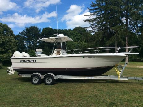 1988 Pursuit 2550 Cuddy