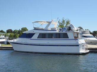 thumbnail photo 2: 1988 Vantare 58 Flush Deck Motor Yacht