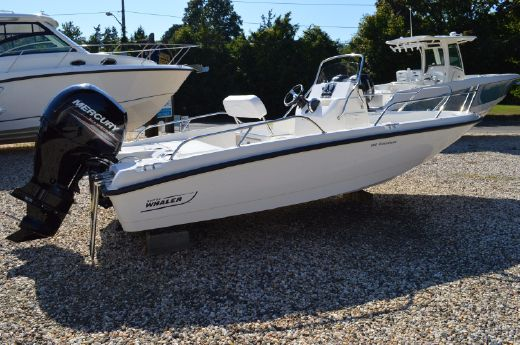 2016 Boston Whaler 180 Dauntless