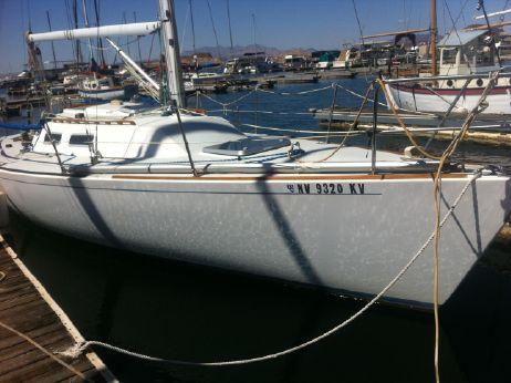 1989 J Boats 33