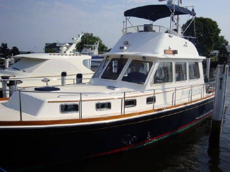 2002 Grand Banks 43 Eastbay Flybridge Sedan