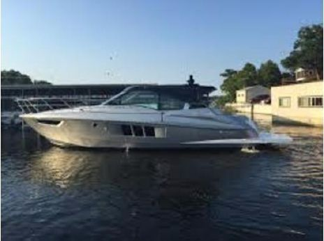 2015 Cruisers Yachts 45 Cantius with Warranty!