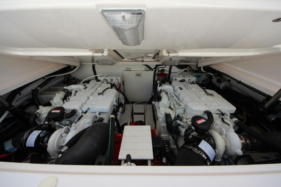 Tiara 36 Open Engine Room