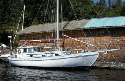 1982 Pilothouse Cutter Gaff Rigged