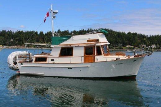 1982 Chb Trawler Tri-Cabin