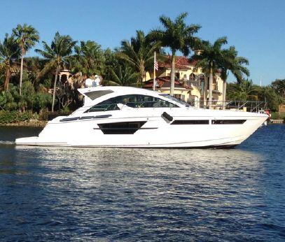 2016 Cruisers Yachts 54 Cantius