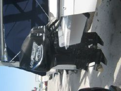 Photo of 31' Avanti 31 center console