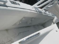 Photo of Avanti 31 center console