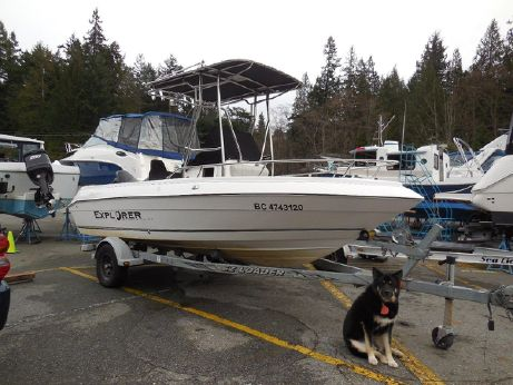 2004 Campion Explorer 582 Center Console