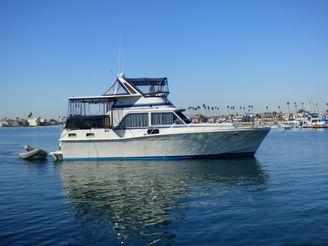 1984 Uniflite Aft Cabin Motor Yacht
