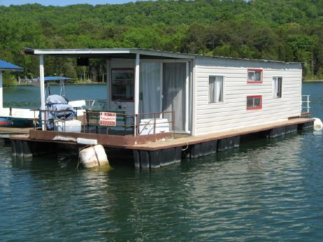 1977 Captains Craft 15 x 43 Houseboat/Floating Cottage