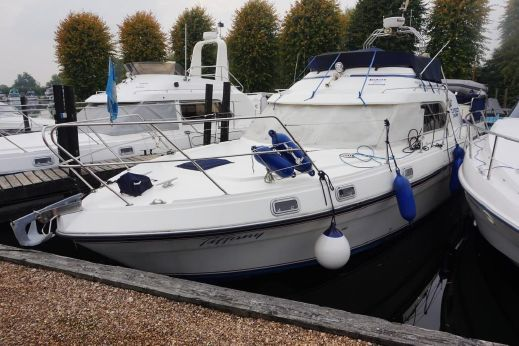 1983 Fairline Turbo 36