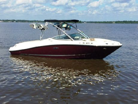 2012 Sea Ray 230 Select