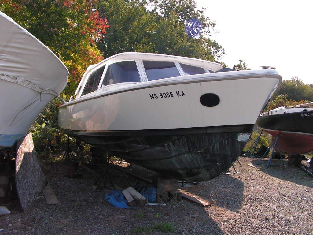 31 ft 1962 bertram 31 express hull