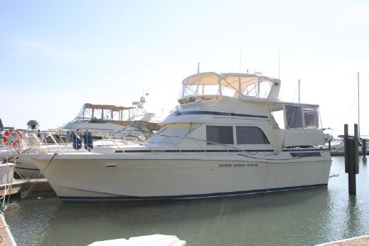 1985 Chris Craft 426 Catalina Double Cabin