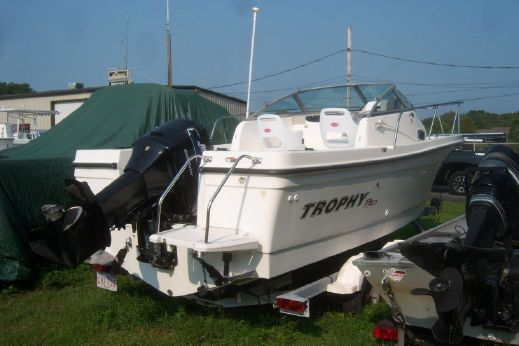 2003 Bayliner Trophy Pro Special Anniversary Edition 2002 FF  w/Trailer