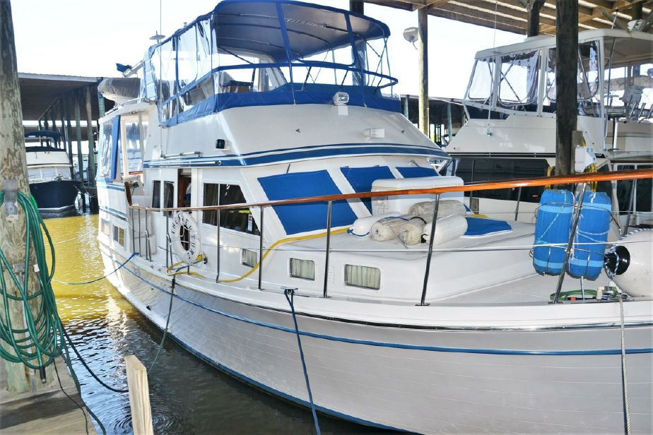 1985 Marine Trader Labelle 40 Sun Deck MY Power Boat For Sale