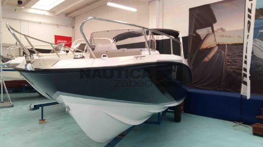 2017 Quicksilver Activ 675 Sundeck (Nuova New)