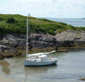 2000 Menger 19 Catboat
