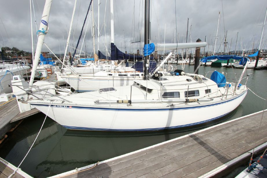 1988 Newport 33 Pilothouse Sail Boat For Sale - www