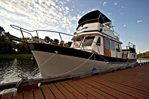 1984 Ponderosa Sundeck Trawler