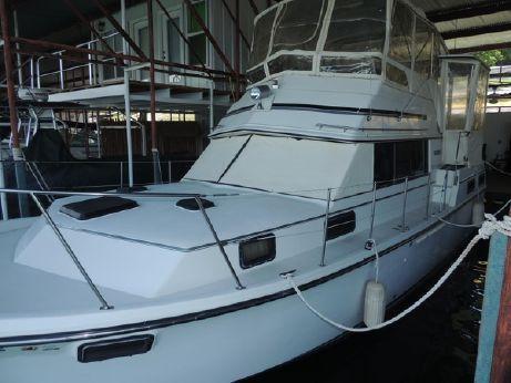 1988 Carver 3607 Aft Cabin