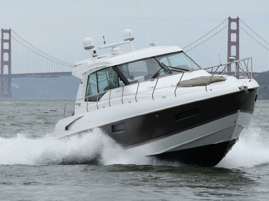 2014 Cruisers Yachts 48 Cantius Power Boat For Sale - www yachtworld com