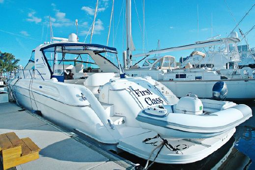2005 Sea Ray Sun Sport with LIFT,Thruster