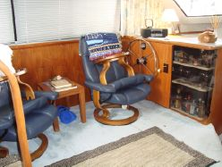 photo of  36' Carver 350 Aft Cabin