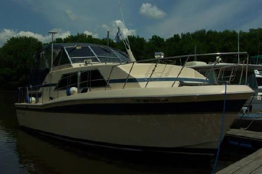 1982 Chris Craft 381 Catalina