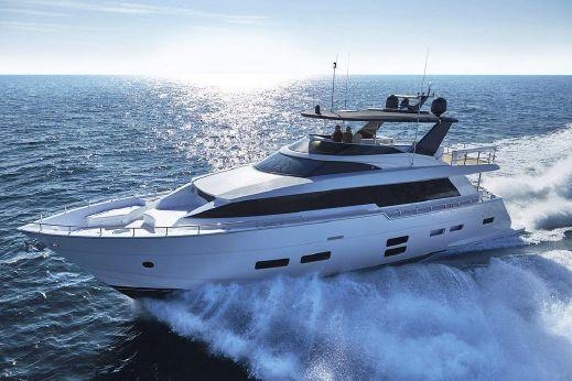 2017 Hatteras 70 Motor Yacht
