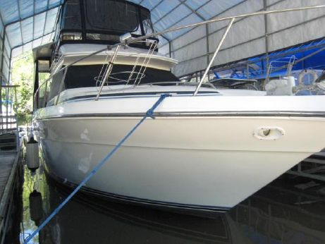 1989 Sea Ray 380 Aft Cabin