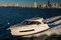 2015 Carver Yachts C37
