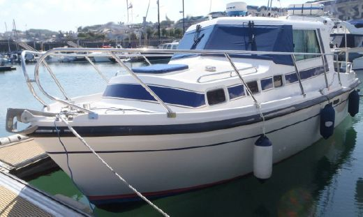 2001 Aquastar 27
