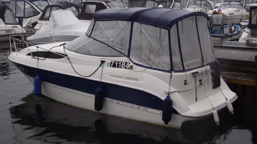 2004 Bayliner 265