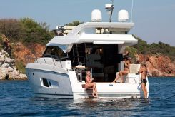 2015 Bavaria Motor Boats Virtess 420 Fly
