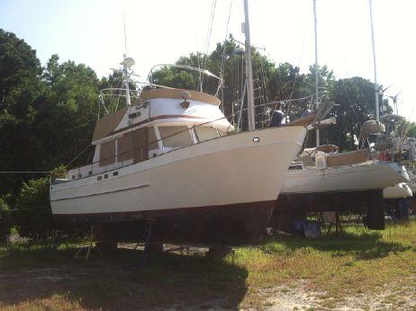 1980 Marine Trading Marine Trader 38 DC