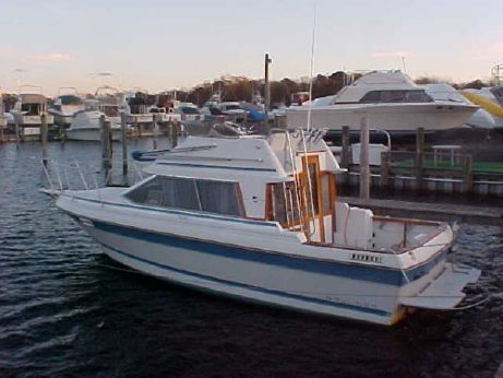 1988 Bayliner Trophy Flybridge