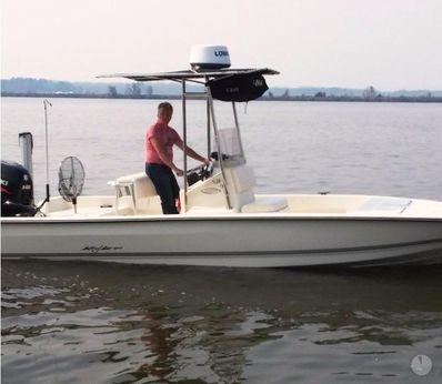 2016 Key Largo 220 Bay Boat