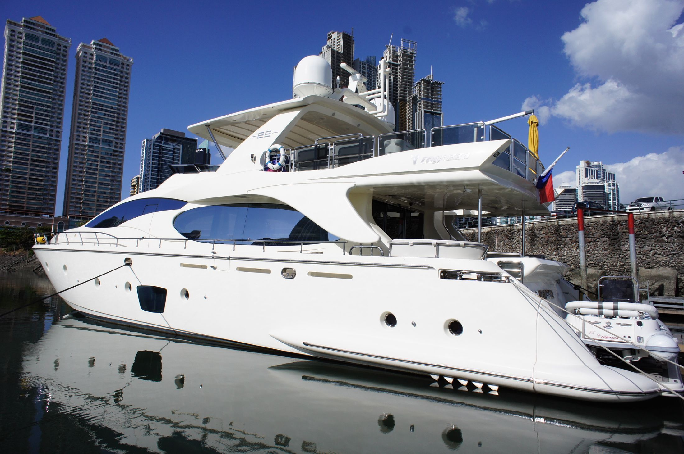 2008 azimut 85 power boat for sale