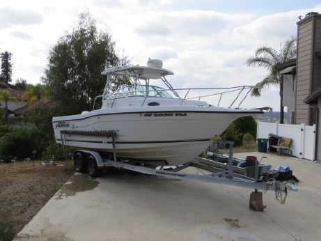 2001 Seaswirl Striper 2600 Walkaround O/B with Trailer