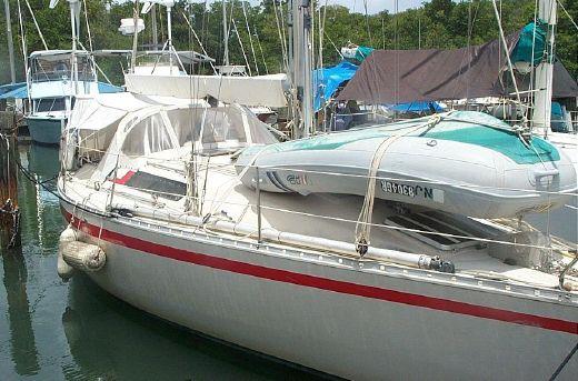 1981 Beneteau First 35