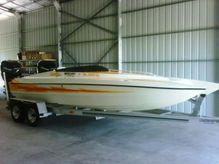 2001 Lightning Powerboats 21