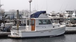 1987 Cape Dory 28 Diesel Power Flybridge