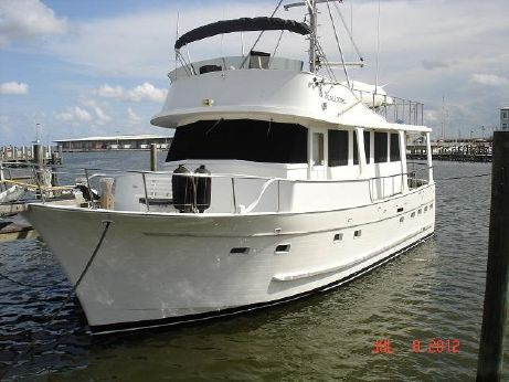 1981 Marine Trader 3 Stateroom Trawler