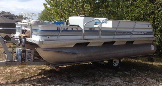 1993 Spectrum 18 Fish Pontoon