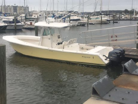 2005 Regulator 32 Center Console