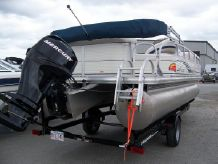 2009 Sun Tracker PARTY BARGE 21 Signature Series