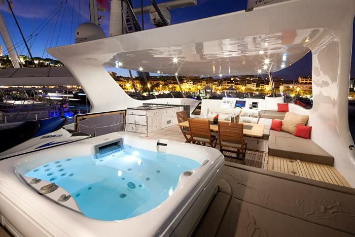 Sunreef 70 Power Catamaran Jacuzzi